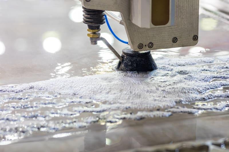 Corte de aluminio mediante chorro de agua
